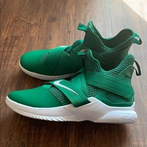 Nike Lebron Soldier Xii 12 Sneakers Green size 17